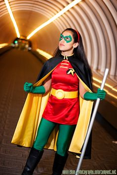 Another shot my Robin costume taken by Solartempest at Youmacon last fall. I looooove this costume so much. Dressing up as the Girl Wonder was so much f. Cosplay Robin, Cosplay Dc, Batman Cosplay, Comic Con Cosplay, Cosplay Outfits, Cosplay Girls, Cosplay Costumes, Superhero Halloween Costumes, Marvel Costumes