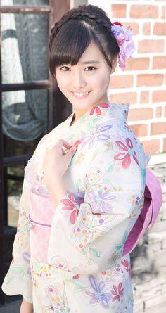 大友花恋 Beautiful Japanese Girl, Cute Japanese, Japanese Beauty, Japanese Kimono, Asian Beauty, Traditional Japanese, Very Good Girls, Yukata Kimono, Kimono Design