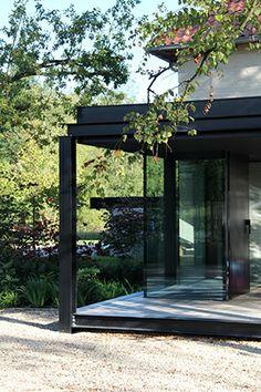 House W by architectslab
