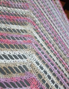 Zomerse omslagdoek haken | draadenpapier | Gratis patroon van Zomaar Een Dag…