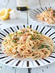 crab linguine - this pasta dish is so quick and easy to make and so delicious to eat! Crab Pasta Recipes, Linguine Recipes, Seafood Recipes, Dinner Recipes, Cooking Recipes, Healthy Recipes, Pasta With Crab Meat, Lump Crab Meat Recipes, Dinner Ideas