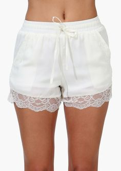 Such pretty details on such a comfortable short