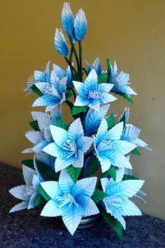 Elo7   Produtos Fora de Série Flower Crafts, Diy Flowers, Fabric Flowers, Flower Art, Crepe Paper Flowers Tutorial, Fabric Flower Tutorial, Mothers Day Crafts, Floral Arrangements, Garland