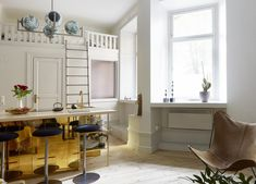 Quirky Stockholm flat with bold choices Small Space Living, Tiny Living, Small Rooms, Small Spaces, Scandinavian Bedroom, Scandinavian Interior Design, Scandinavian Style, Studio Apartments, Small Apartments