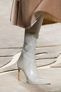 Fendi Fall 2019 Ready-to-Wear Collection - Vogue High Heel Boots, Heeled Boots, High Heels, Fendi, Fashion Shoes, Fashion Accessories, Fall Fashion, Studded Heels, White Boots
