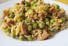 Csirkezúzás rice with peas Meat Recipes, Chicken Recipes, Cooking Recipes, Healthy Recipes, Croatian Recipes, Hungarian Recipes, Good Food, Yummy Food, Us Foods
