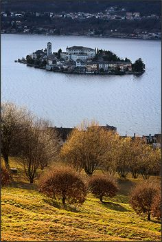Isola di San Giulio [ Explored ] by beppeverge, via Flickr