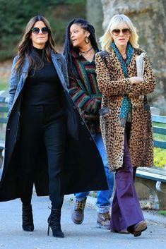 "Sandra Bullock, Rihanna and Cate Blanchett on the set of ""Ocean's Eight"" Ocean's Eight, Chef D Oeuvre, Cate Blanchett, Sandra Bullock, Dandy, Boss Lady, Rihanna, Beautiful People, Winter Outfits"