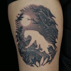 Negative Space Tattoo by Juan Salgado Ink Master Tattoos, Negative Space Tattoo, Natur Tattoos, Tattoo Designs, Tattoo Motive, Cool Tats, Great Tattoos, Amazing Tattoos, Body Mods