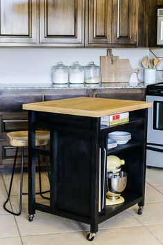 How To Build A Rolling Kitchen Island - FREE plans by Jen Woodhouse