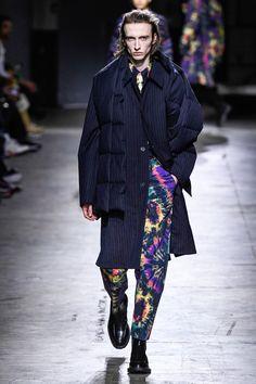Dries Van Noten Fall 2019 Menswear Fashion Show Fashion Brand, Fashion Show, Mens Fashion, Fashion Design, Vogue Paris, Royal Academy Of Arts, Mens Fall, Mannequins, Gentleman