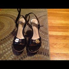 Dr. Scholls sandals FINAL MARKDOWN🎉 Brown patent sandal. Very comfortable! Dr. Scholls Shoes Sandals