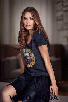 Model Josephine Skriver wears graphic t-shirt and ruffled skirt from Vero Moda