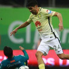 Oribe Peralta off to a scorching start; Yasser Corona struggling