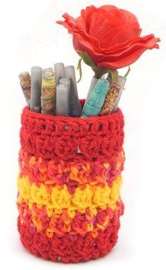$1.99 - Checker Stitch Pencil Cup - A Crochet pattern from jpfun.com