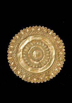 Indonesia ~ Sumba Island | Pendant; gold. ca. 19th century