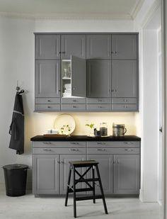 Une composition classique à partir des nouveaux caissons Ikea Metod - Les nouvelles cuisines Ikea 2014 en 40 photos - CôtéMaison.fr