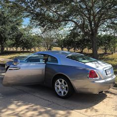 9,708 отметок «Нравится», 46 комментариев — RollsRoyce & Bentley Community (@rollsandbentley) в Instagram: «Rolls Royce Wraith V12 Rate it 1-1000! • Follow @Rollsandbentley • #RollsAndBentley…» Rr Wraith, Buy Instagram Followers Cheap, Luxury Cars, Luxury Auto, Rolls Royce Wraith, Billionaire Lifestyle, Top Cars, Prado, Amazing Cars