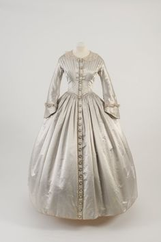 Day dress, 1842From the Fashion Museum, Bath