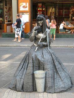 living-statues-La Rambla, Barcelona