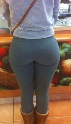 Girls -n- Yoga Pants : Photo
