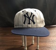 97b8724a204 AWESOME VINTAGE RETRO NY YANKEES PINSTRIPE SNAPBACK HAT  fashion  clothing   shoes  accessories