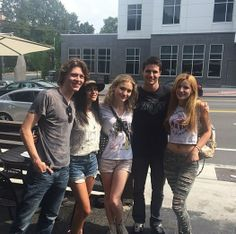 "Bella Thorne ""The DUFF"" cast"