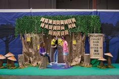 Capture everyone's imagination. Create instant Fair interest with a hidden doorway, oversized toadstools, and mysterious lights. Woodland Theme, Woodland Party, Forest Theme Classroom, Enchanted Forest Theme, Fair Theme, Forest Decor, Fallen Book, Butterfly Party, Kindergarten Crafts