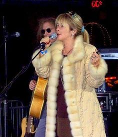"""Waddy Wachtel rehearses with Stevie for NYC """"Today Show"""" in '05"""