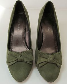 MARKS & SPENCER MOSS GREEN WIDER FIT SUEDE COURT SHOE SIZE UK 5.5 EURO 39 R10928 http://stores.ebay.co.uk/Sangriasuzies-Emporium http://www.sangriasuzie.com/ If any of the  items pictured in this blog/pin take your fancy they can be bought from one of the above addresses.  Or email me at drobertshq@hotmail.com   if you need more info.