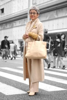 Best Fashion Tips For Women Over 60 - Fashion Trends Older Women Fashion, Fashion Tips For Women, Fashion Advice, Fashion Outfits, Womens Fashion, Fashion Trends, Over 60 Fashion, 50 Fashion, Advanced Style