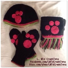 Finished a matching beanie/mitten/scarf set! ❤️❤️
