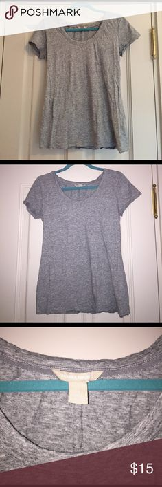 Cotton grey banana republic tee This has only been worn once and is in great condition.  Very soft. Great to sleep in or wear with jeans. Well made. Banana Republic Tops Tees - Short Sleeve