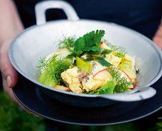 Efterårsgrønt med hornfiskefileter En sund salat med fisk fra Familie Journals Slankeklub