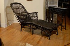 American Bar Harbor Chaise c.1915   From a unique collection of antique and modern chaise longues at https://www.1stdibs.com/furniture/seating/chaise-longues/