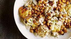 Salat mit geröstetem Blumenkohl und Kichererbsen