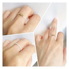Etsy の 和紙リングWashi Ring /White Slender by BeniMatsu