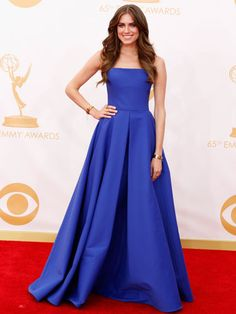 Emmy Awards 2013 - red carpet dresses :: Alison Williams looks beautiful in royal blue