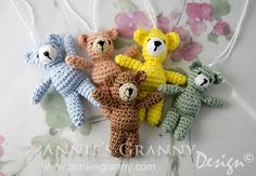 Free crochet pattern for tiny bears