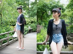 Samantha Mariko - American Apparel Crop Top, Levi's® Shorts, Frontrowshop Purse, Birkenstock Sandals - Crop tops & cutoffs
