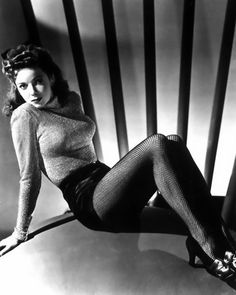 Ida Lupino in what might have been her all-time sexiest pic!