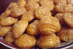 Moroccan Pastry Rghifat with almond and honey - Maroc Désert Expérience tours http://www.marocdesertexperience.com