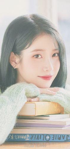 Pretty Korean Girls, Cute Korean Girl, Asian Girl, Korean Celebrities, Korean Actors, Iu Short Hair, Korean Girl Photo, Ulzzang Korean Girl, Iu Fashion