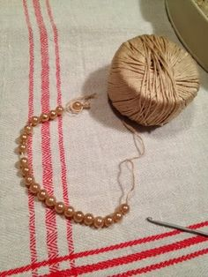 Punti e pensieri di Manu: Tutorial perle e crochet