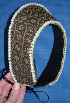 Rosewood Buttons: Project 7: Anne Boleyn Gown - Part Six - French Hood