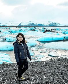 Follow me on instagram: @quennandher // BERSHKA jacket // Street Style. Look of the day. Outfit of the day. What I Wore. Designer Bag. From Where I Stand. Jökulsárlón Lagoon, Iceland 💙💙💙 . #travelandstylebyqw #fashiondiarybyqw