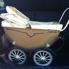 guess who's kid's carriage this will be. Mine.