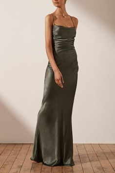 Nude Long Dresses, 90s Prom Dresses, Green Formal Dresses, Long Slip Dress, Classy Prom Dresses, Gala Dresses, Classy Dress, Dance Dresses, Satin Dresses