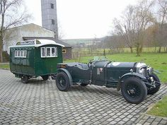 Le Mans Bentley and trailer Vintage Rv, Vintage Caravans, Vintage Travel Trailers, Vintage Campers, Vintage Trucks, Vintage Green, Tiny Camper, Camper Caravan, Cool Campers