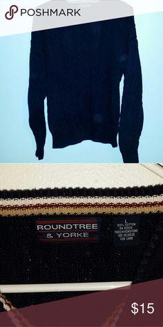 Navy blue sweater Thick Dark navy blue sweater Roundtree & Yorke Sweaters Crewneck